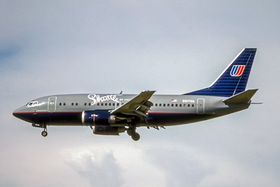 Shuttle by United, N917UA, Boeing 737-522, msn 25384, Photo by Bill Hough, PDX, Image X101LABH