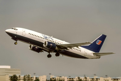 Shuttle by United, N390UA, Boeing 737-322, msn 24665, Photo by Joe Fernandez Collection, Image K149LAJF