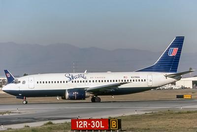 Shuttle by United, N676UA, Boeing 737-322, msn 24641, Photo by Bill Hough, Image K073LGBH