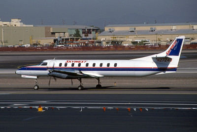 Skywest Airlines, N27240, Fairchild SA-227AC Metro III, msn AC-724, Photo by Brian Peters, PHX, Image AI006LGBP