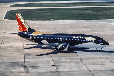 Southwest Airlines, N334SW, Boeing 737-3H4, msn 23938, Photo by Andrew Abshier, Image K011RGAA