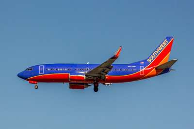 Southwest Airlines, N372SW, Boeing 737-3H4(WL), msn 26599, Photo by John A Miller, LAX, Image K133LAJM