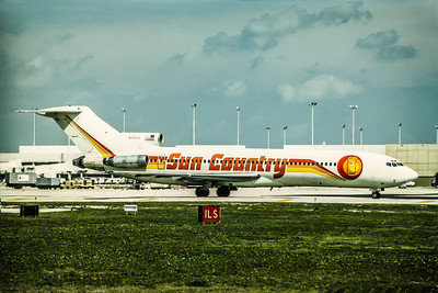Sun Country, N292US, Boeing 727-251Adv, msn 21503, Photo by Udo Schaefer, Image I030RGUS
