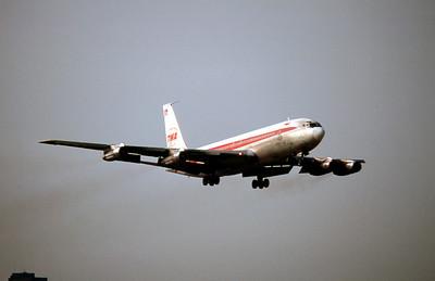 TWA, N28728, Boeing 707-331B, msn 19573, Photo by Roger Bentley, JFK, Image H009RARB