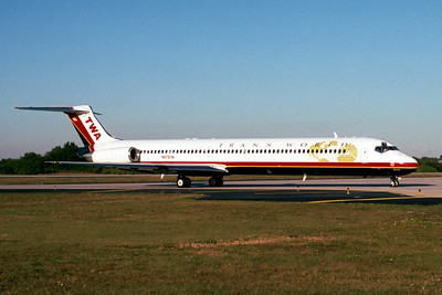 TWA, N979TW, McDonnell Douglas MD-83, msn 53629, Photo by John A. Miller, TPA, Image D036RGJM