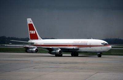 TWA, N6722, Boeing 707-131B, msn 18988, Photo by Roger Bentley, IND, Image H010RGRB