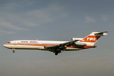 TWA, N52311, Boeing 727-231, msn 19830, Photo by Adrian J Smith, Image I1009LAAS