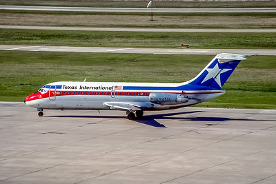 Texas International, N1053T, Douglas DC-9-14, msn 45716, Photo by Andrew Abshier, Image C017LGAA