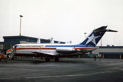 Texas International Airlines, N968E, Douglas DC-9-15, msn 45786, Photo by Dean Slaybaugh, Image C063LGDS