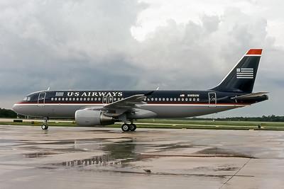 USAirways, N105UW, Airbus A320-214, msn 868, Photo by John A Miller, TPA, Image T024LGJM