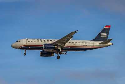 USAirways, N667AW, Airbus A320-232, msn 1710, Photo by John A MIller, PHX-TPA, Image T104LAJM