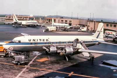 United Airlines, N37569, Douglas DC-6B, msn 44893, Photo by Photo Enrichments Collection, Image AH001LGSP