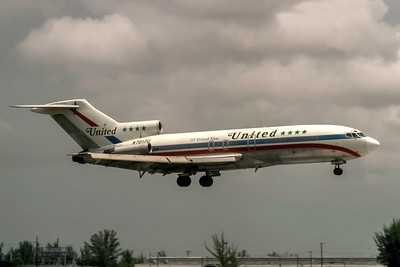 United Airlines, N7012U, Boeing 727-22, msn 18304, Photo by J. Fernandez Collection, Image I225RAJF