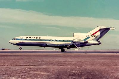 United Airlines, N7422U, Boeing 727-22QC, msn 19197, Photo by J. Fernandez Collection, Image I224LGJF
