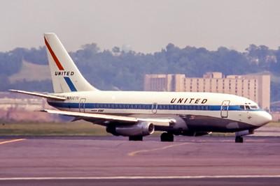 United, N9007U, Boeing 737-222, msn 19045, Photo by Roger Bentley, Image J114RGRB