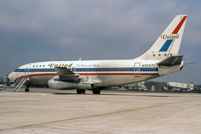 United, N9057U, Boeing 737-222, msn 19938, Photo by Derek Hellman, Image J059LGDH