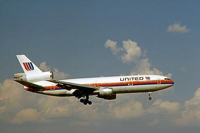 United Airlines, N1832U, Douglas DC-10-10, msn 46631, Photo by Nigel Chalcraft, MCO, Image U015RANC