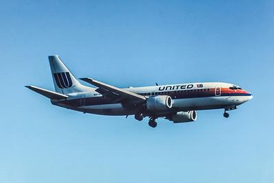 United Airlines, N371UA, Boeing 737-322, msn 24540, Photo by John A Miller, GSO, Image K032RAJM
