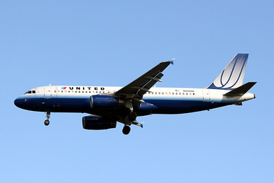 United Airlines, N442UA, Airbus A320-232, msn 780, Photo by John A. Miller, TPA, Image T048LAJM