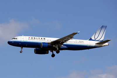 United Airlines, N412UA, Airbus 320-323, msn 465, Photo by John A. Miller, TPA, Image T042LAJM