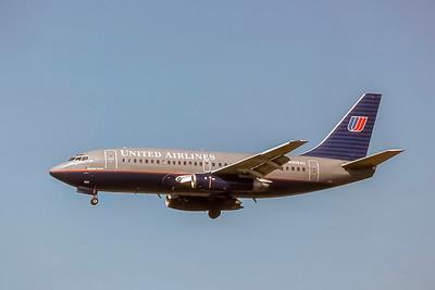 United Airlines, N9054U, Boeing 737-222, msn 19935, Photo by Joe Fernandez Collection, ORD, Image J178LAJF