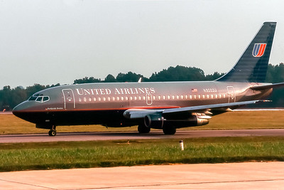 United Airlines, N9003U, Boeing 737-222, msn 19041, Photo by John A Miller, GSO, Image J068LGJM