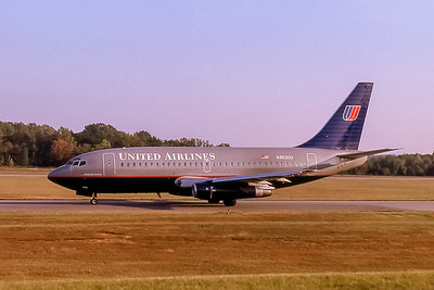 United Airlines, N9030U, Boeing 737-222, msn 19068, Photo by John A Miller, GSO, Image J070LGJM