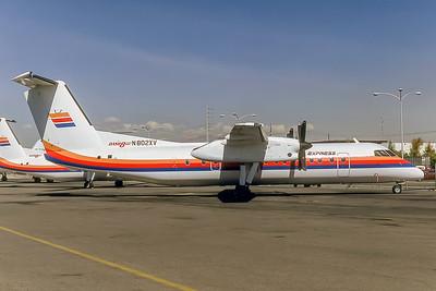 United Express, N802XV, DeHavilland DHC-8-301, msn 164, Photo by Keith Armes, Image QQ014RGKA
