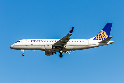United Express, N107SY, ERJ-175LR (ERJ-170-200LR), msn 17000400, Photo by John A Miller, LAX, Image YA026LAJM, Operated by Sky West Airlines