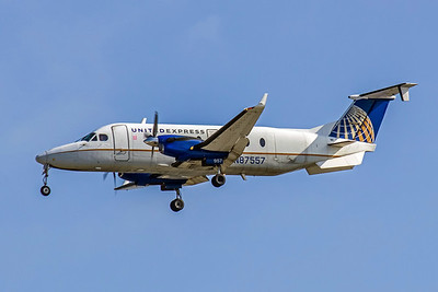 United Express, N87557, Beech1900D, msn UE-246, Photo by John A. Miller, TPA, Image LL009LAJM