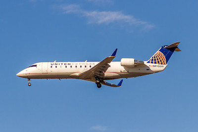 United Express (SkyWest Airlines), N915SW, CL600-2B19 Regional Jet CRJ-200ER, msn 7615, Photo by John A Miller, LAX, Image YY023LAJM