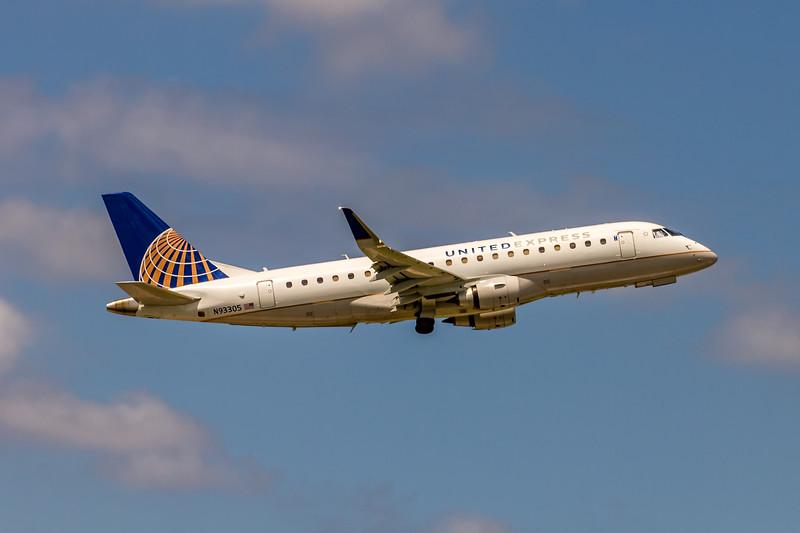 United Express (Mesa Airlines), N93305, ERJ-175LR(ERJ-170-200LR), msn 17000412, Photo by John A Miller, TPA, Image YA030RAJM