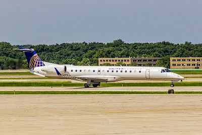 United Express ( ExpressJet Airlines), N14173, ERJ-145XR, msn 14500872, Photo by John A Miller, CLE, Image YD003RGJM