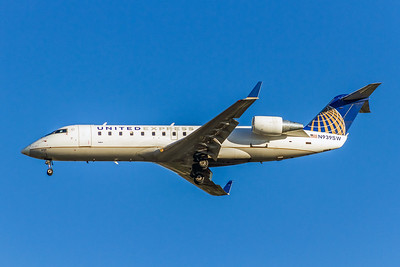 United Express (SkyWest), N939SW, CRJ-200ER, msn 7742, Photo by John A Miller, LAX, Image YY017LAJM