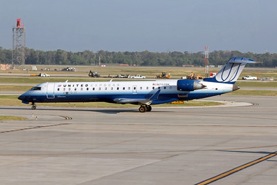 United Express (Skywest Airlines), N753SK, CRJ-700, msn 10214, Photo by John A. Miller, IAH, Image YY009LGJM