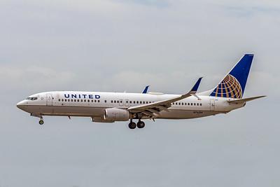 United Airlines, N76254, Boeing 737-824(WL), msn 30779, Photo by John A Miller, TPA, Image UU070LAJM