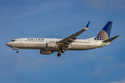 United Airlines, N76288, Boeing 737-824(WL), msn 33451, Photo by John A MIller, DEN-TPA, Image UU045LAJM