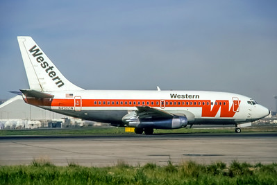 Westen, N4502W, Boeing 737-247, msn 19599, Photo by Dean Slaybaugh, Image J080RGDS