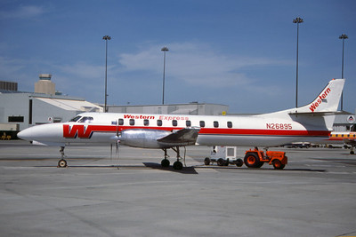 Western Express, N26895, Fairchild SA-227AC Metro III, msn AC-656, Photo by Edwin Tarboot, Image AI007LGET
