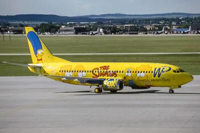 Western Pacific Airlines, N949WP, Boeing 737-301, msn 23230, Photo by Brian Peters, COS. Image K056RGBP