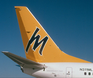 Midway 737-700