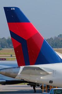 Delta Connection ERJ-170 Tail