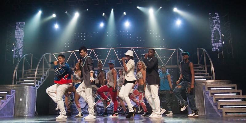 052 - JV - Thriller Live - 50D - _MG_9033 (Large).jpg