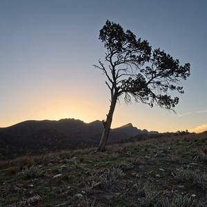 sunset over Ikara - Wilpena Pound