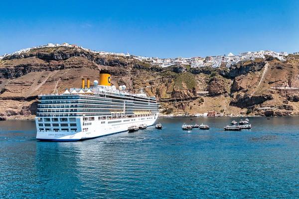 Port of Santorini