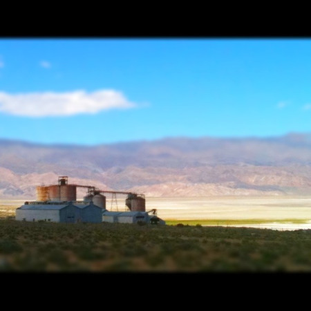 Old building at Owens Lake, CA