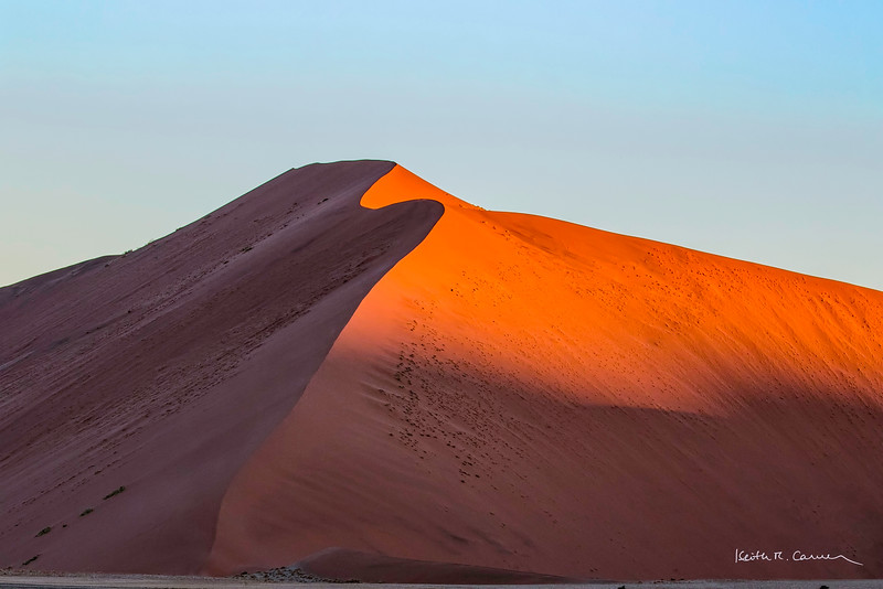 "Wind-sculpted ""Big Mama"" sand dune at Sossusvlei"