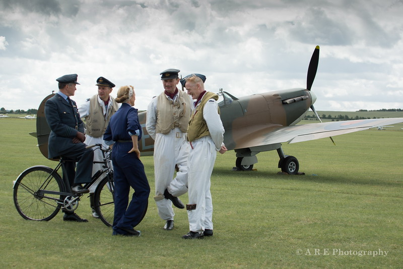 Duxford spitfire and ground crew