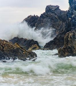 GIBBS-JORDAN_ANN_BREAKING WAVES ON CAMEL ROCK-9631