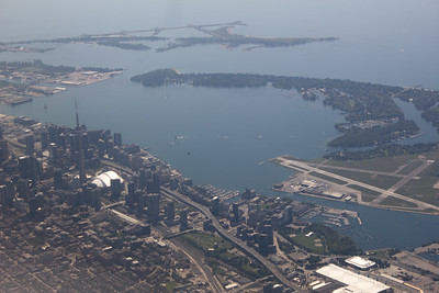 Downtown Toronto on final approach into Toronto International.